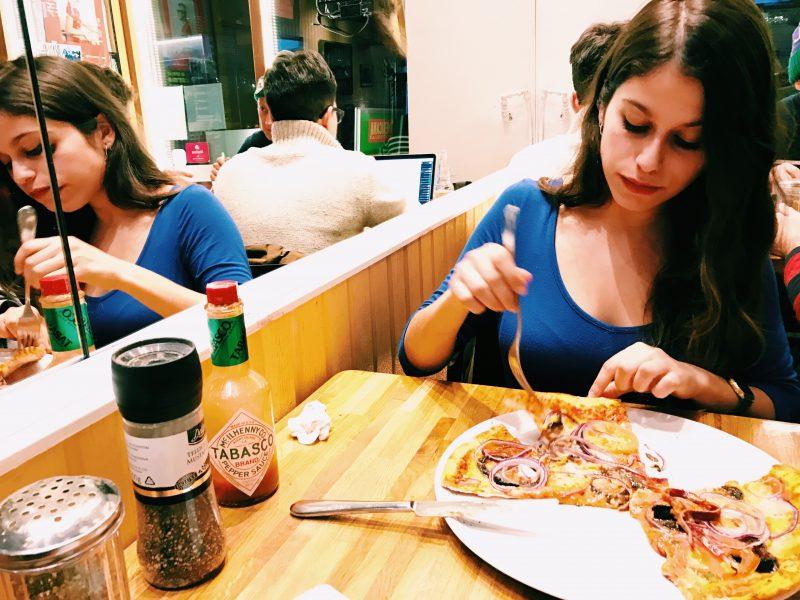 """Cena en """"Americana Pizzería"""", pizza vegana en Helsinki"""