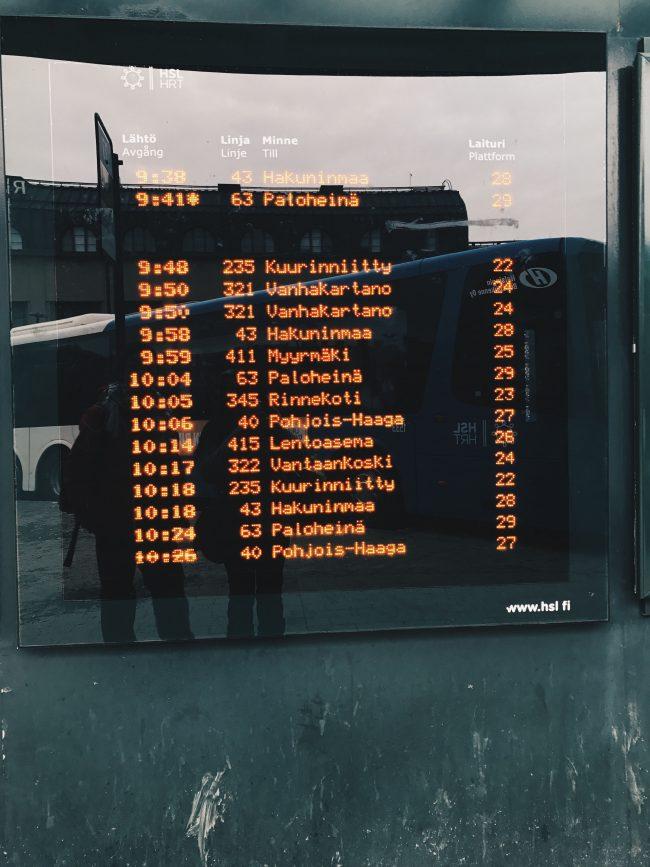 Estación de Autobuses Helsinki, dirección Keskuspuisto