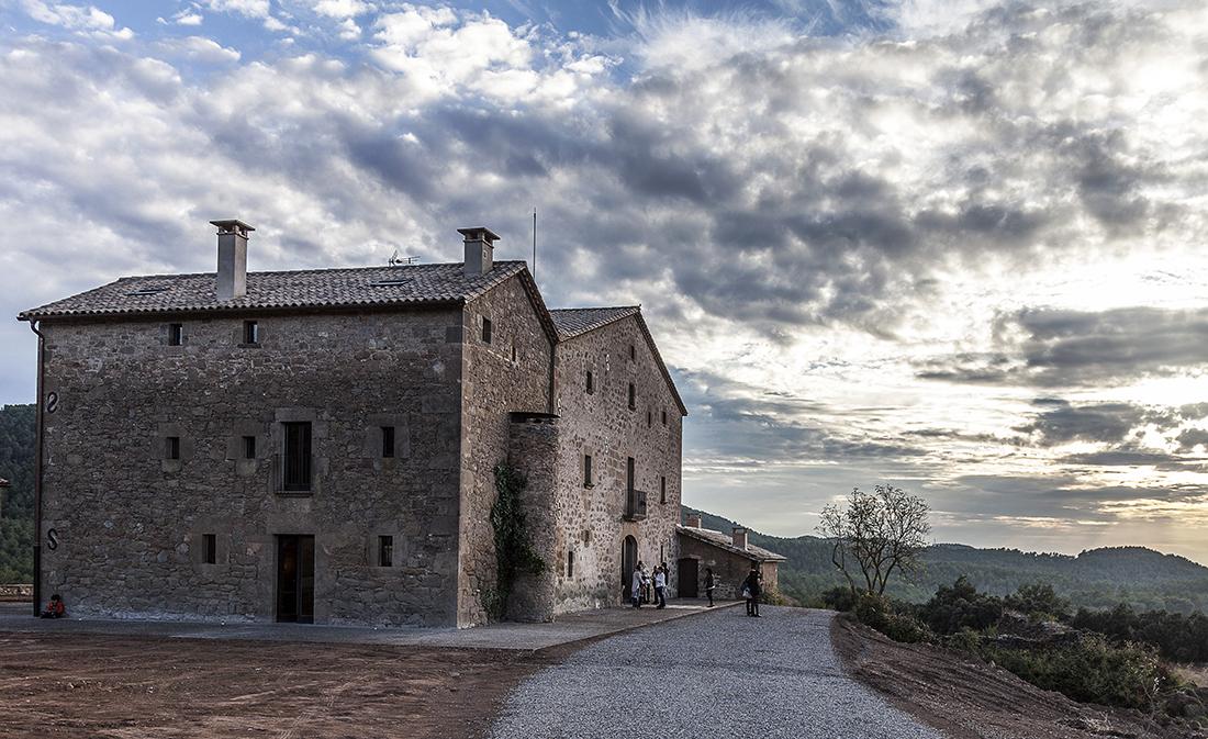 Una masía del siglo XI: el 1º Hotel Vegano de Cataluña.