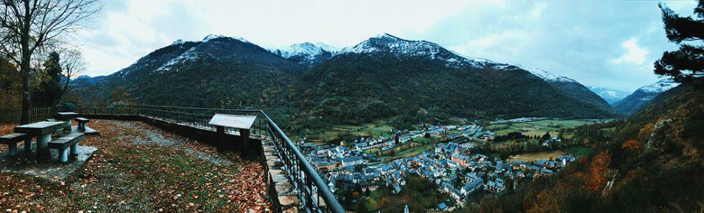 Panorámica desde el Guarder de Les al Valle D'Arán.
