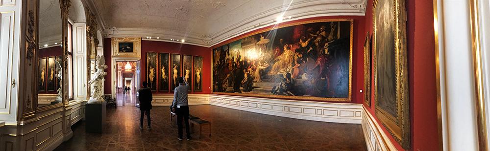 Panorámica del interior del museo Belvedere.