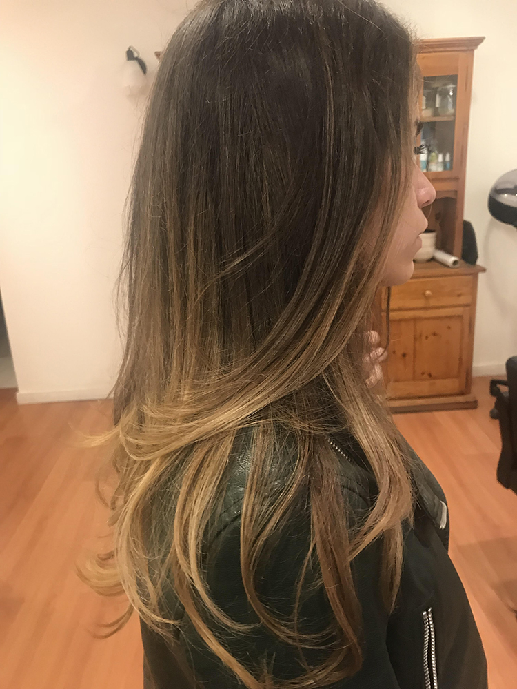 Resultado de corte y mechas balayage en la peluquería vegana La Biopelu.