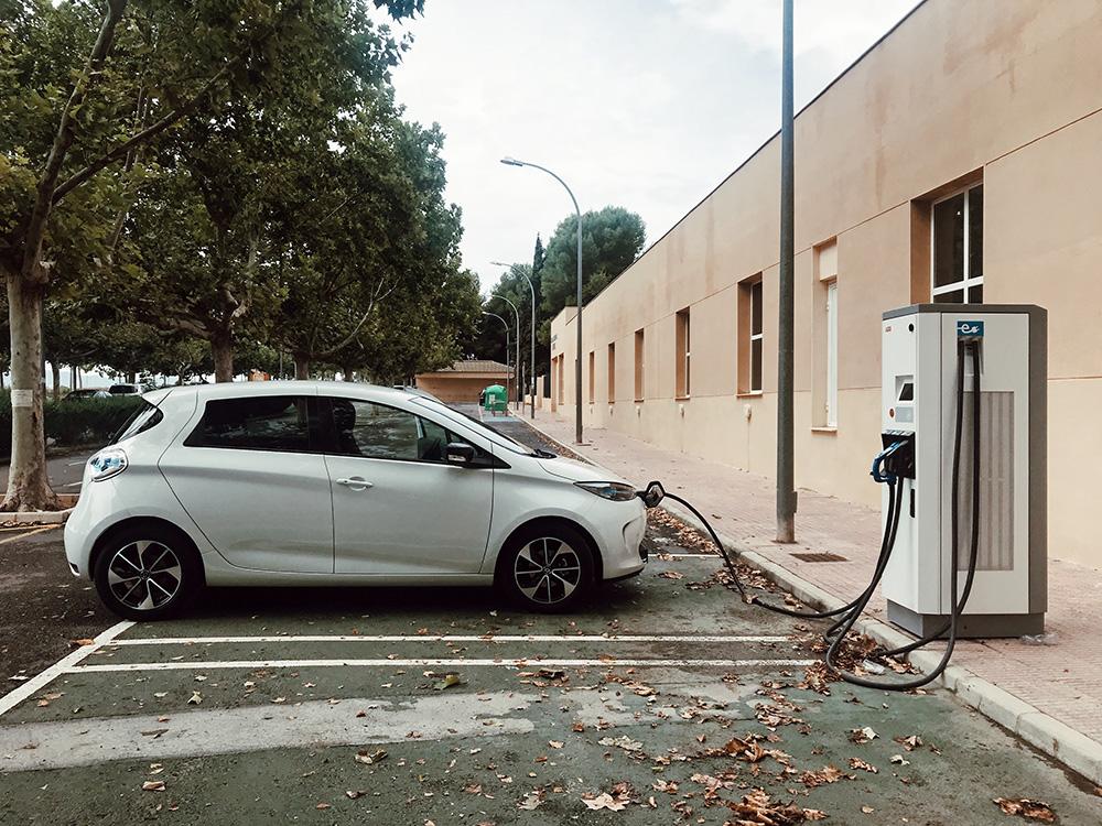 Punto de carga de coches eléctricos: Utiel. Viajando con Renault Zoe.
