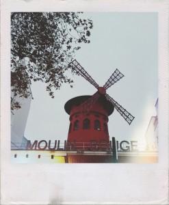 Exterior Moulin Rouge, cosas que ver y hacer en París.