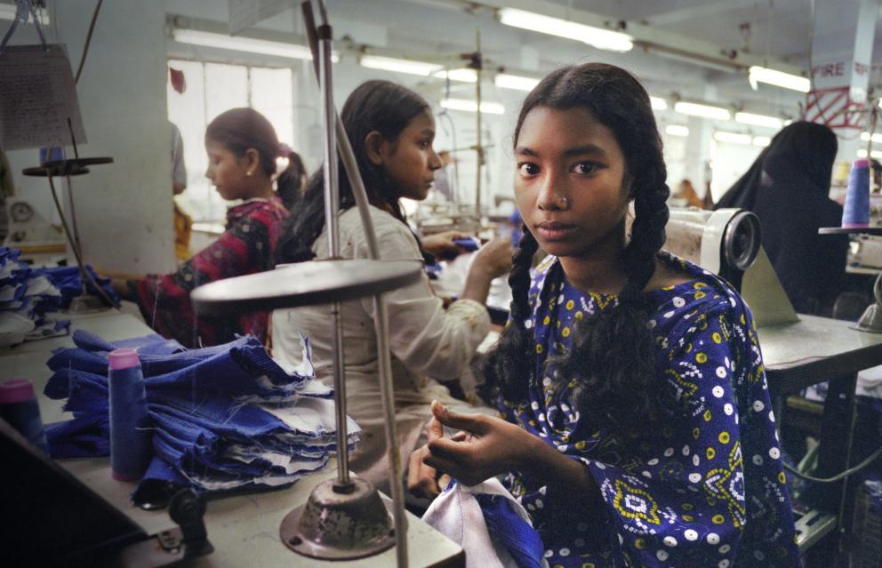 08e187488a38d2 ¿Y si tu ropa estuviese cosida por niños esclavos? La explotación detrás de la  ropa.
