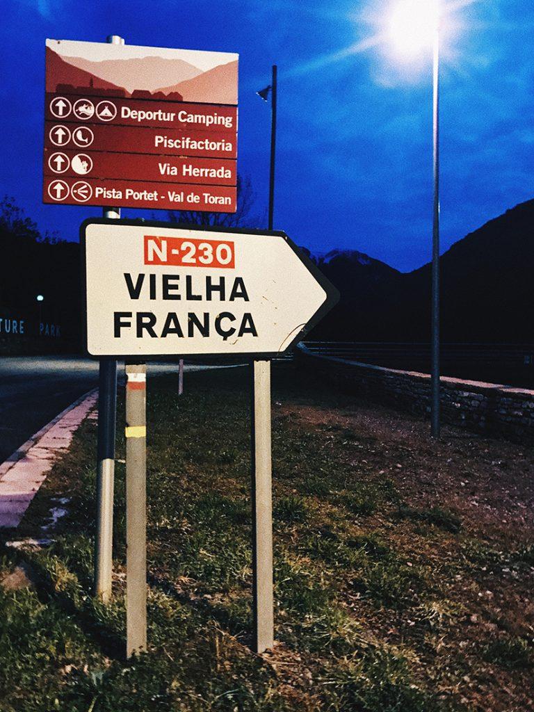 Camino que va desde Les hasta el inicio de la ruta que sale desde Deportur.