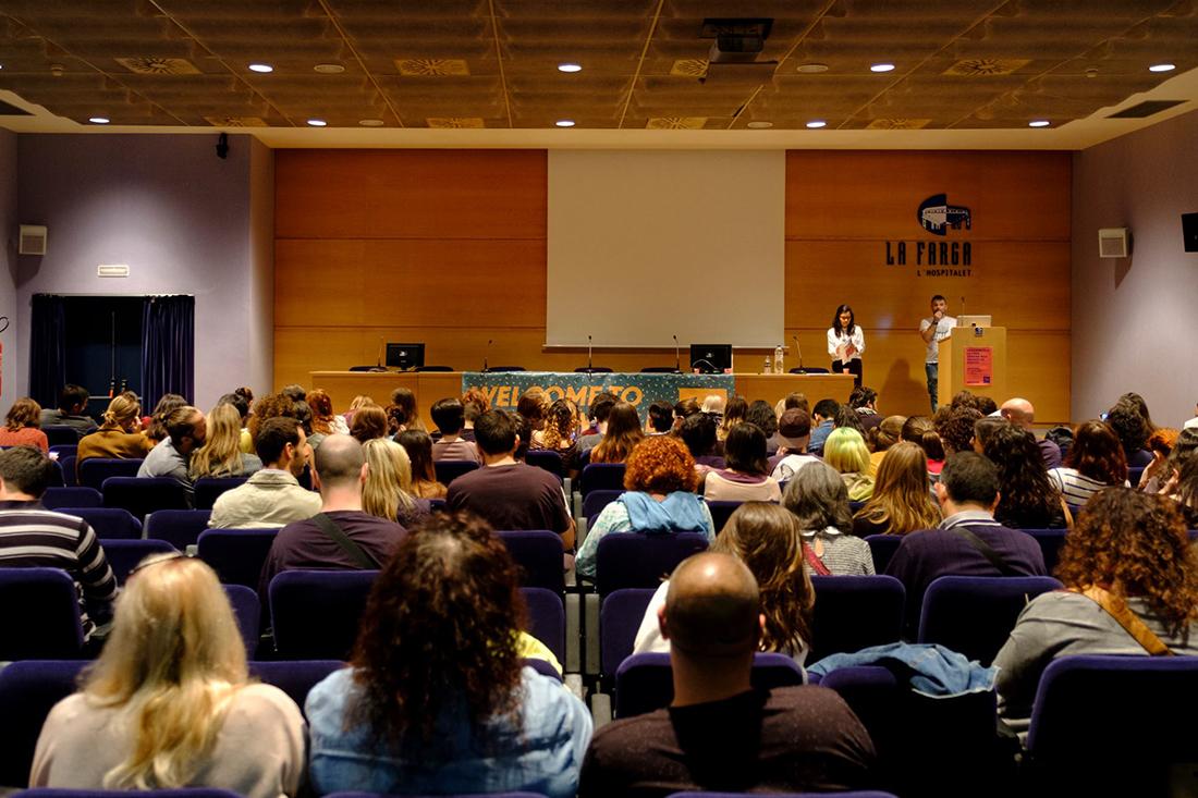 """Óscar de Events4Animals en la charla """"Santuarios, concienciando desde la empatía"""". Fotografía: Proveg.es"""