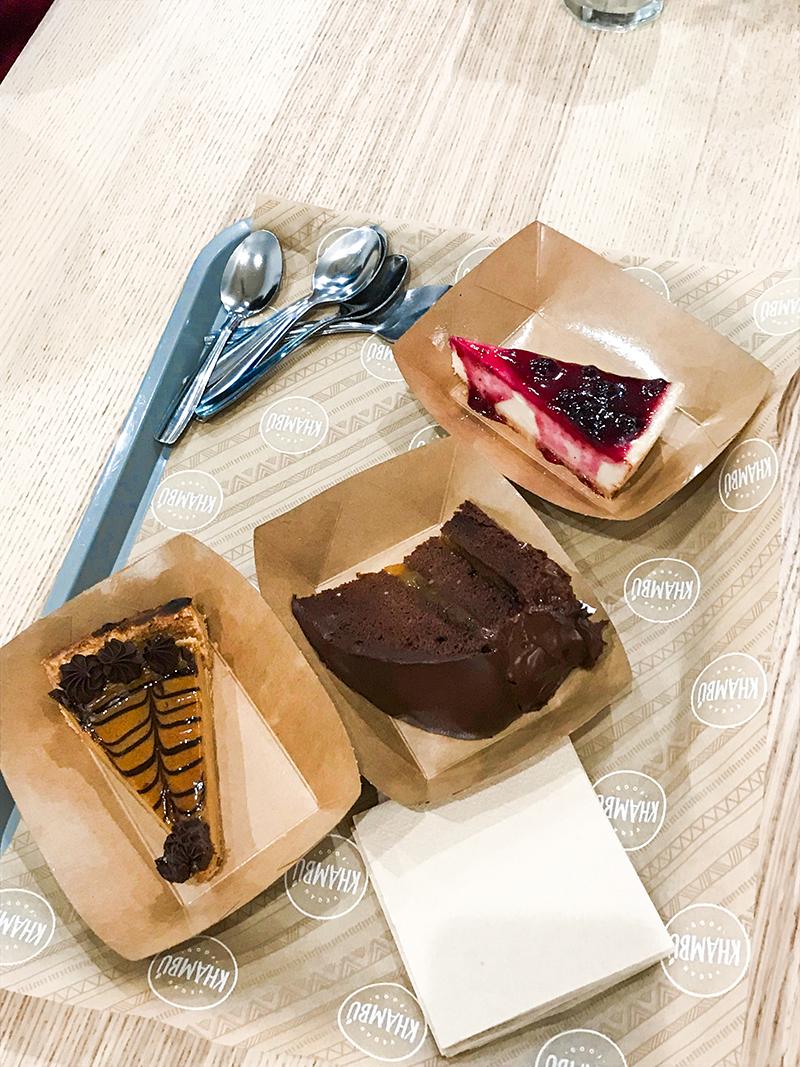Postres veganos en Khambú: tarta de chocolate, cheesecake...