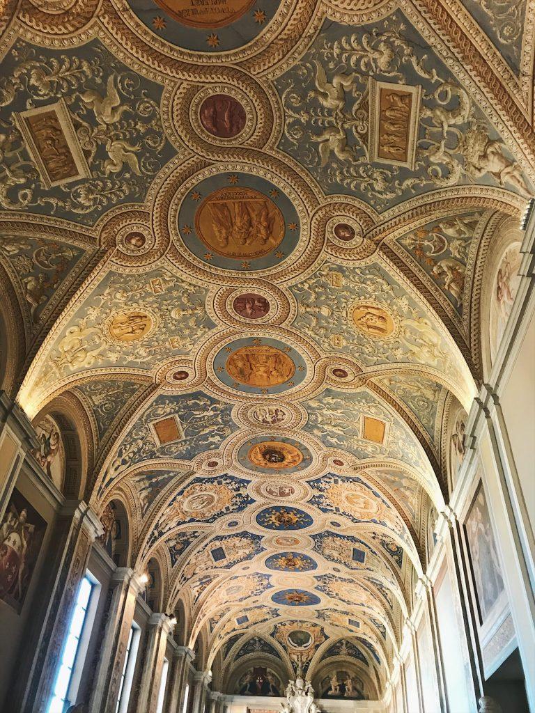 Detalles de los techos de los Museos Vaticanos