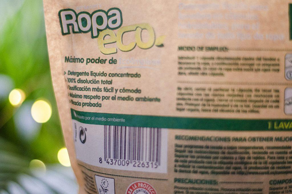 Eficacia de los detergentes para la ropa ecológicos y veganos.
