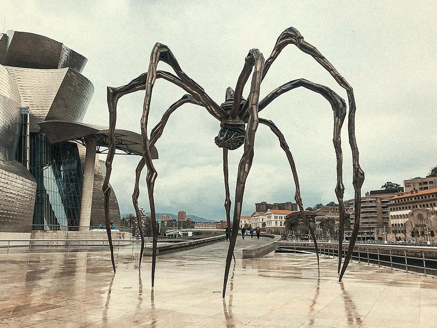 Araña 'Maman'. Qué ver en Bilbao.