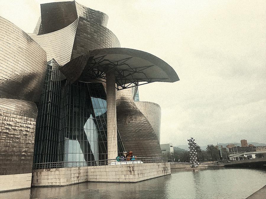 Museo Guggenheim, icono de Bilbao.