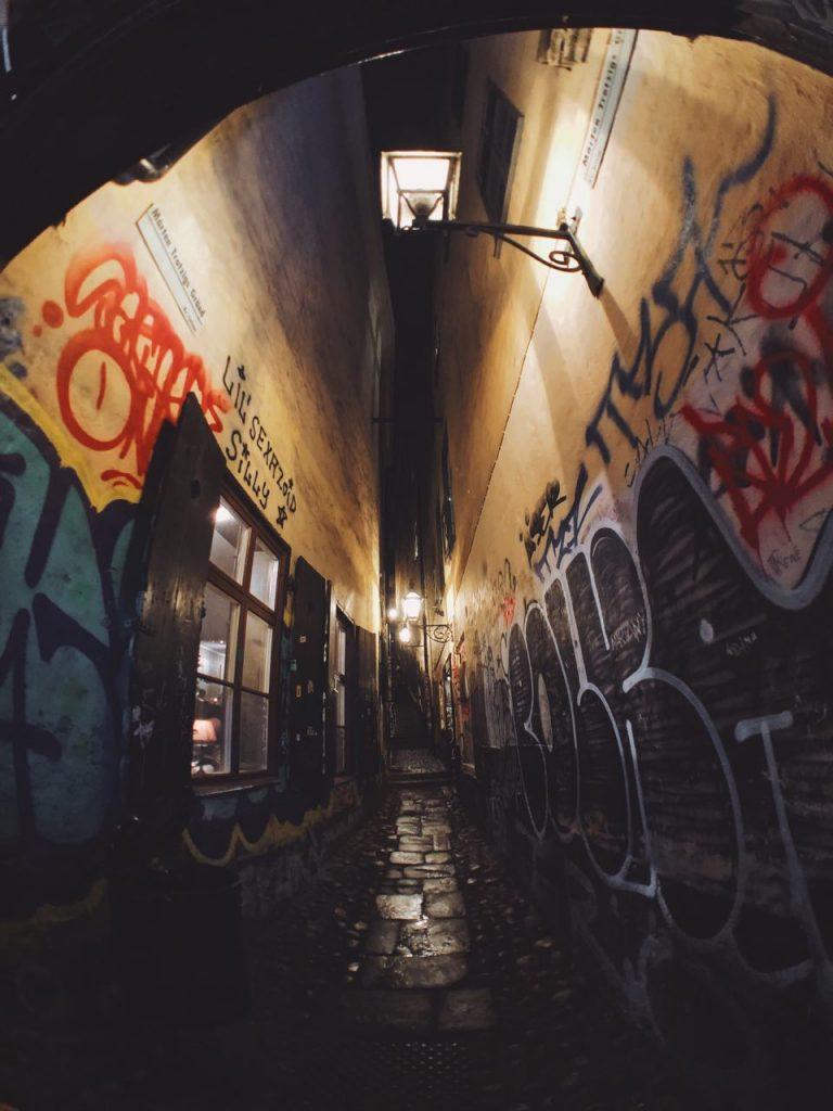 La calle más estrecha de Estocolmo.