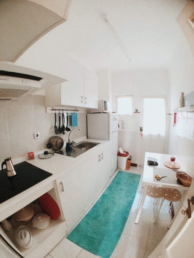 Cocina del apartamento, Vila Nova de Gaia. Oporto. Alojamiento Barato. Hoteles.
