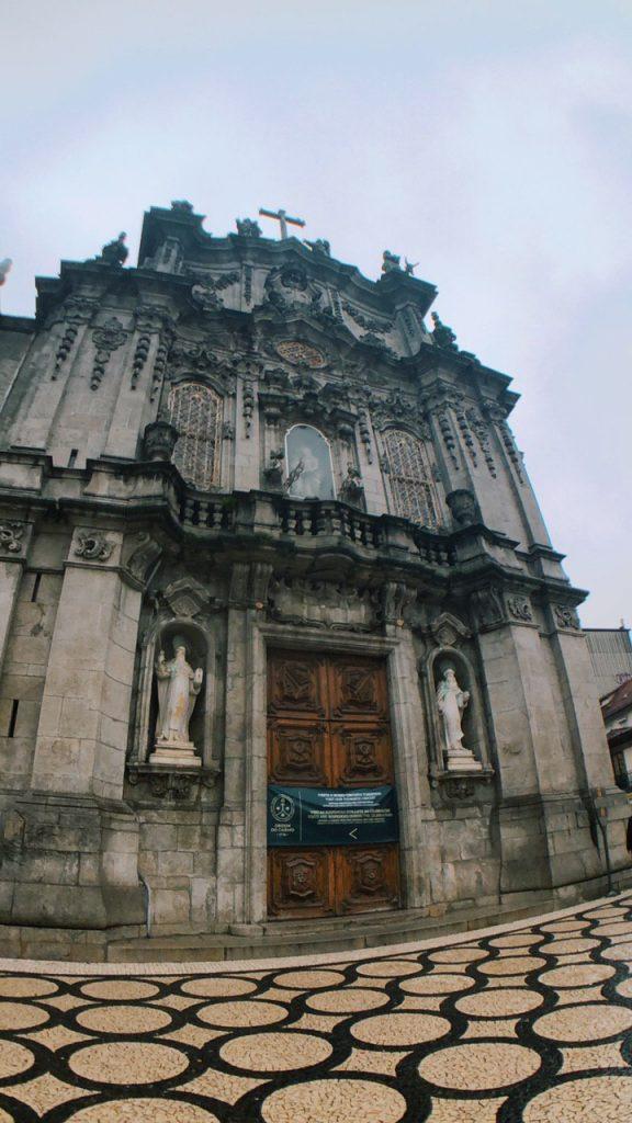 Iglesia dos Clérigos, en el casco antiguo de Oporto.