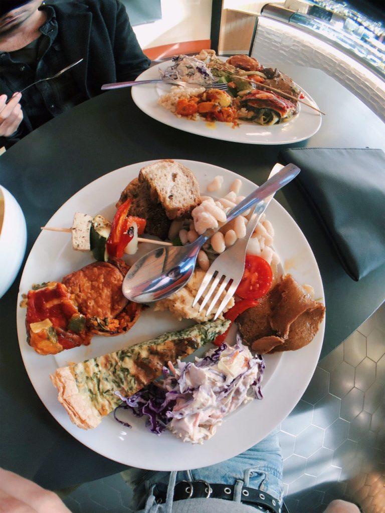 Donde comer en Oporto: Da Terra, buffé libre vegano.