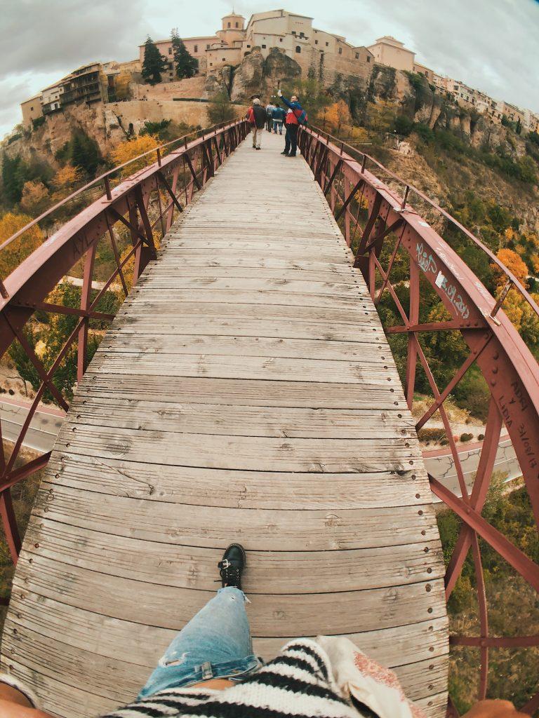 Puente de Casas colgadas: qué ver en Cuenca. Viajes con perros.