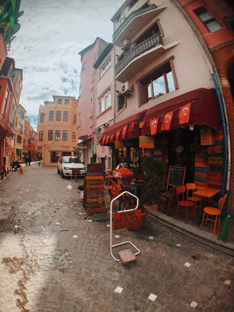 Calle Vodina, barrio Balat. Estambul. Guía de viajes.