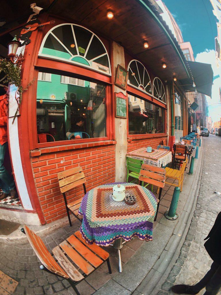 Restaurante vegetariano en Balat. Guía de viajes por Estambul.