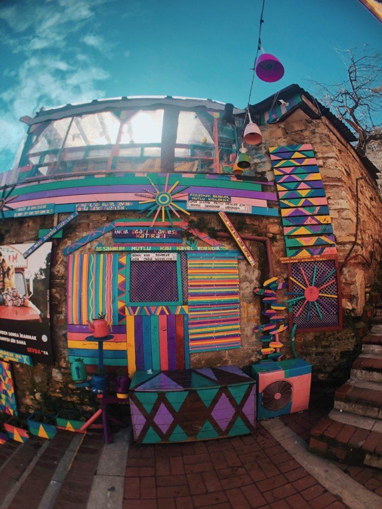 Escaleras de colores, Balat. Guía de viajes en Estambul.