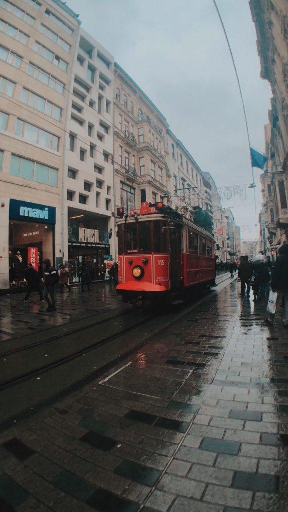Calle istiklal, blog y guía de viajes. Qué ver en Estambul.