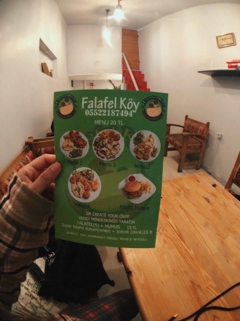 Falafel Koy, opciones veganas en Estambul.