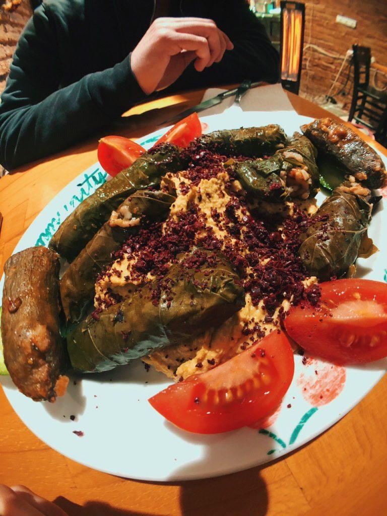 Opciones veganas, arroz en hoja de parra, Estambul, guía de viaje.