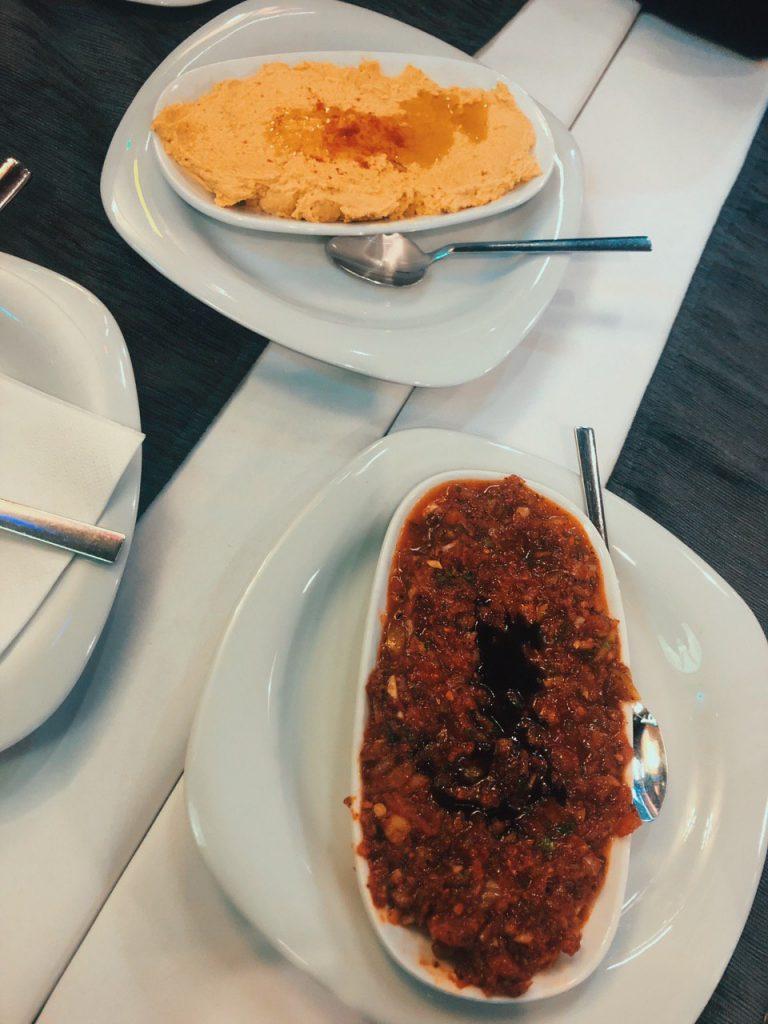 Mezze vegano en Estambul. Entrantes. Opciones veganas.